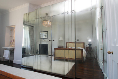 Antique-Mirror-Panel-Wardrobe-Guest-Room
