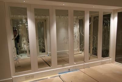 Brilliant-cut-antique-mirror-panels