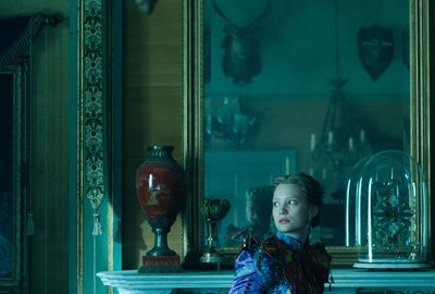 Disney-Pictures-Alice-Through-The Looking-Glass-Mirrorworks-Mirror